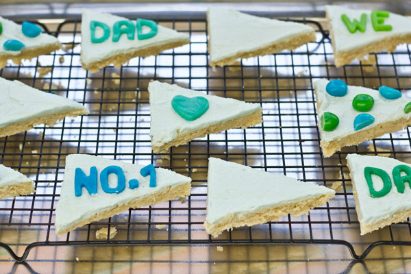 DIY Pennant Flag Cookies Step 5