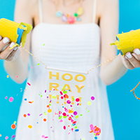 DIY-Surprise-Message-Confetti-Poppers1thumb