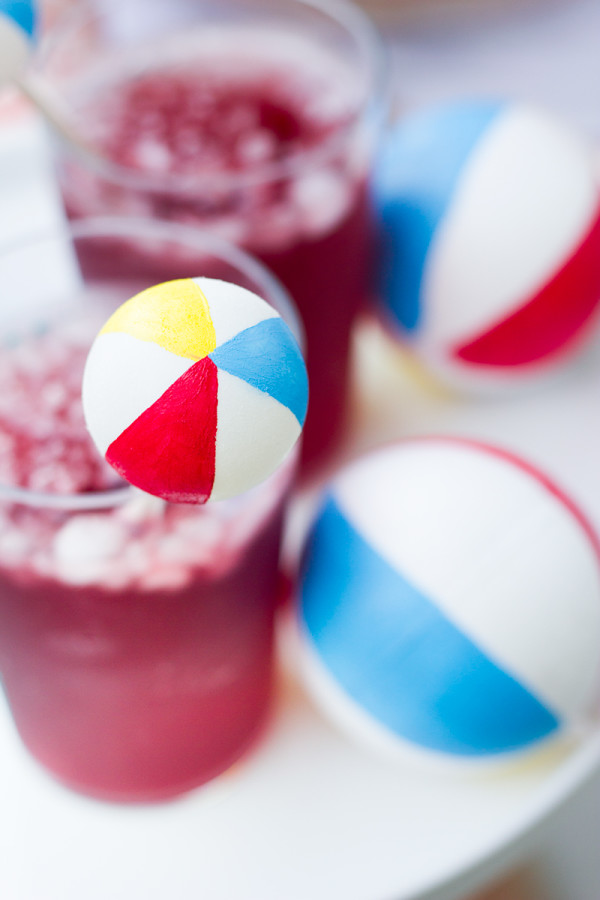 DIY Beach Ball Drink Stirrer
