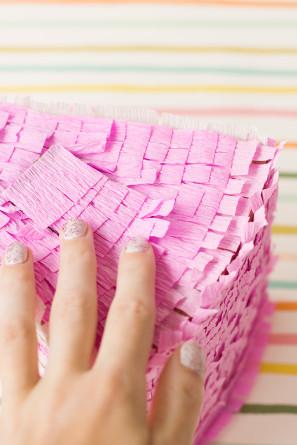 Cómo hacer un pastel de Piñata