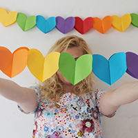 diy-heart-garland-thumb