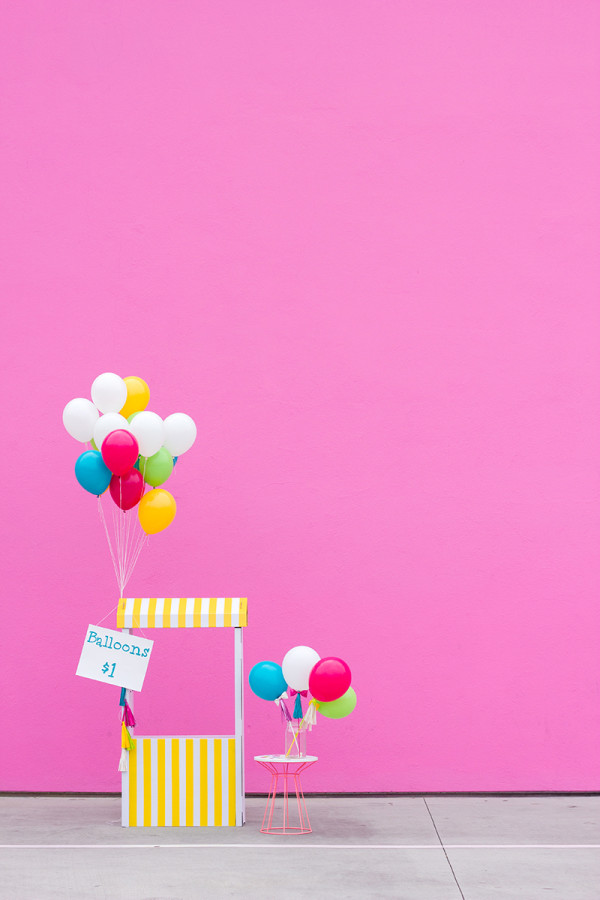 DIY Balloon Stand