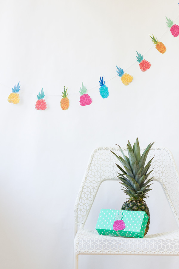 DIY Pineapple Garland