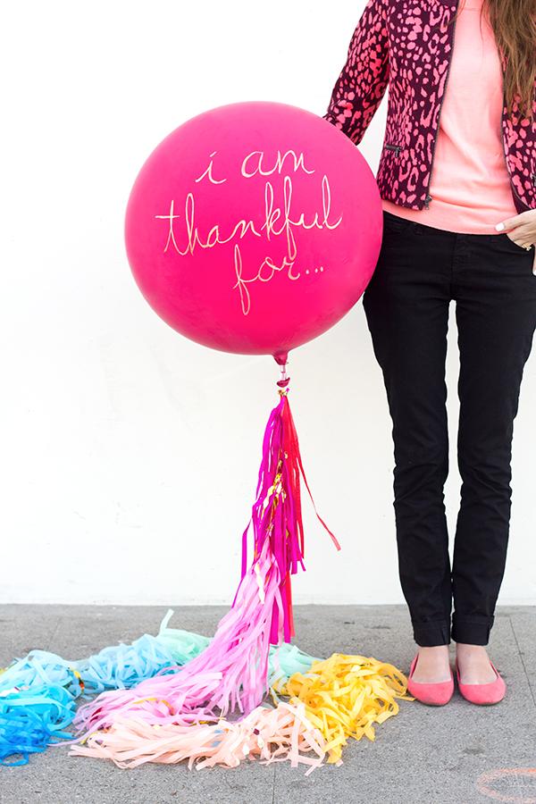 "DIY ""I Am Thankful For"" Balloon"