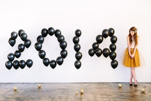 DIY Giant Balloon Numbers for New Year's Eve