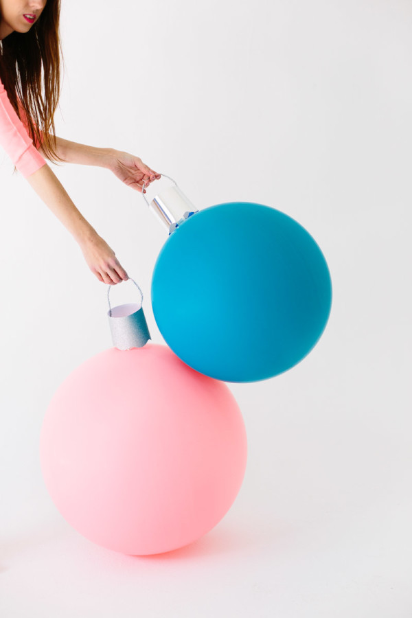 DIY Giant Ornament Balloons3