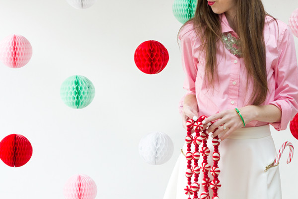DIY Honeycomb Holiday Photo Backdrop3