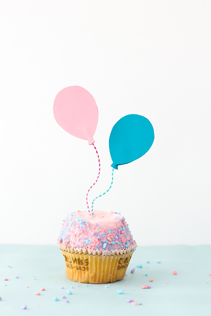 DIY Balloon Cupcake Toppers | Studio DIY