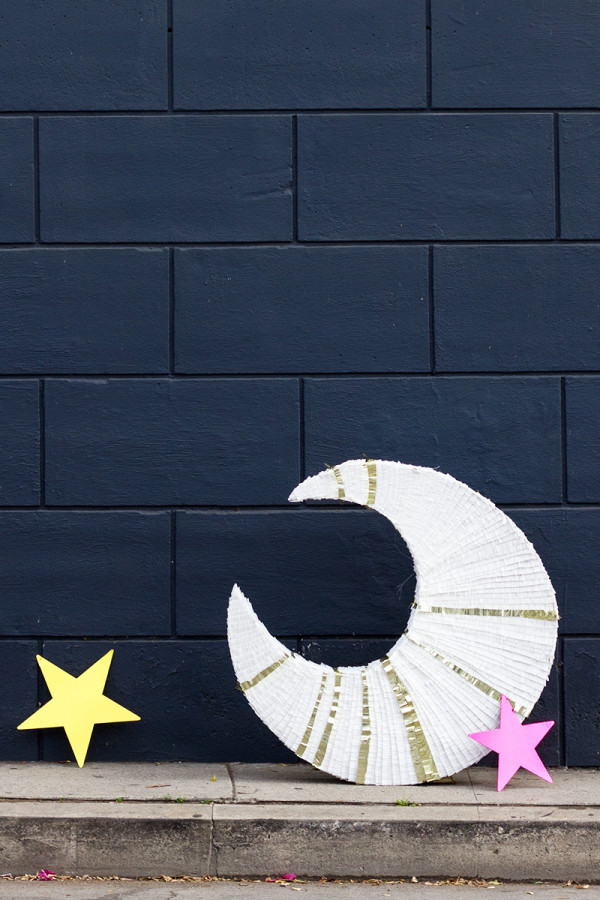DIY GIant Moon Piñata