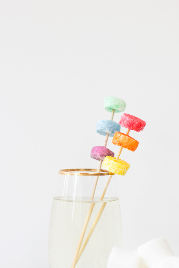 DIY Rainbow Marshmallow Drink Stirrers2
