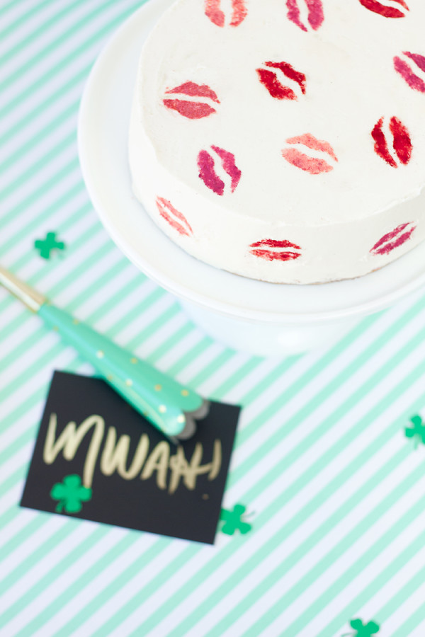 kiss cake by STudio DIY