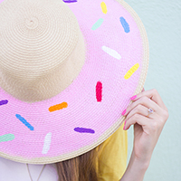 DIY-Donut-Floppy-Hat2thumb