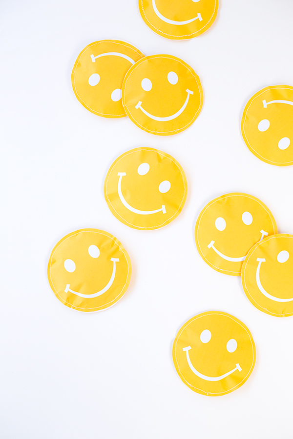 DIY Smile Favor Pouches