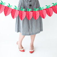 DIY Foldable Paper Strawberry Garland