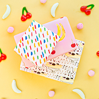 Free-Printable-Banana-Split-Wrapping-Paperthumb