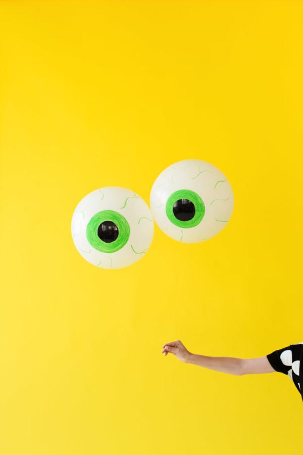 DIY Eyeball Balloons