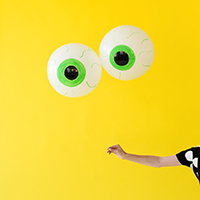 DIY-Eyeball-Balloonsthumb