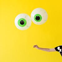 DIY-Eyeball-Balloonsthumb