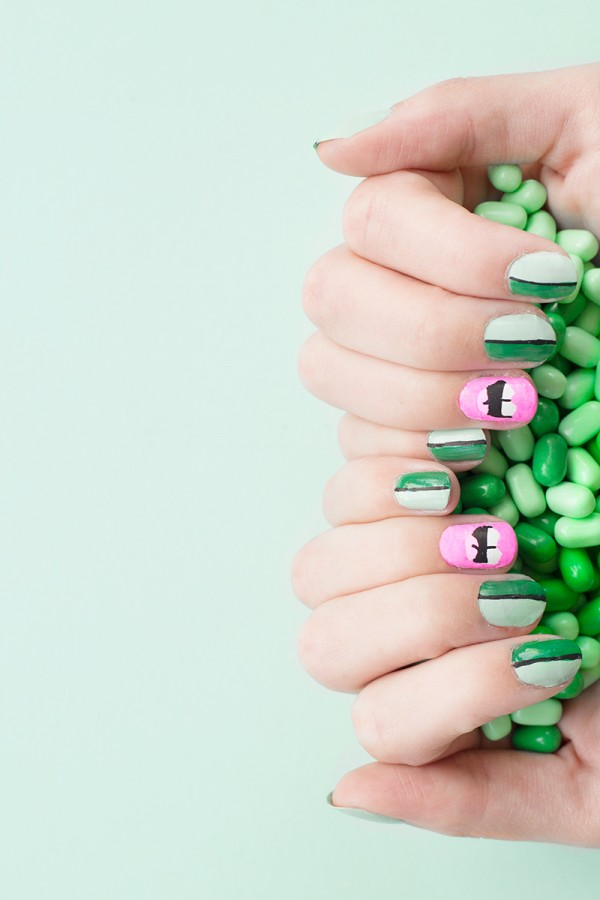DIY Kiss Me I'm Irish Mani Tutorial