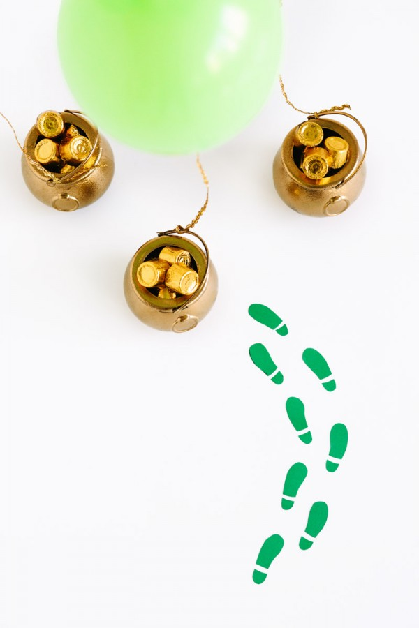 DIY Pot of Gold Balloon Surprise