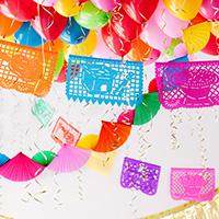 DIY-Fiesta-Balloon-Ceilingthumb