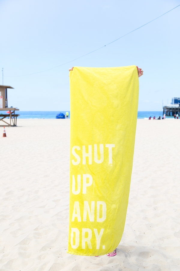 DIY Graphic Beach Towels   studiodiy.com