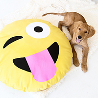 emoji-dog-bed-2thumb