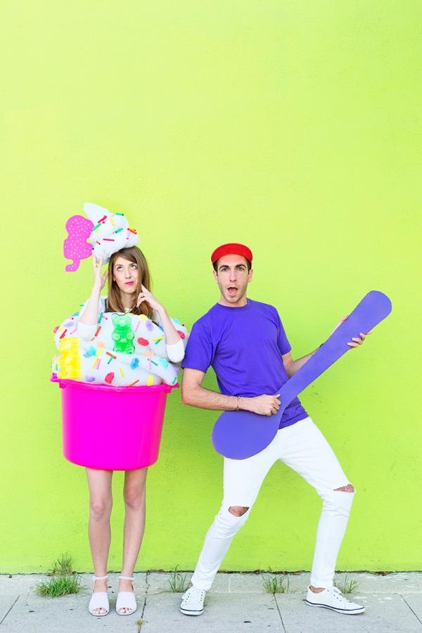 DIY Fro-yo and Fro-yo Guy Couples Costume | studiodiy.com